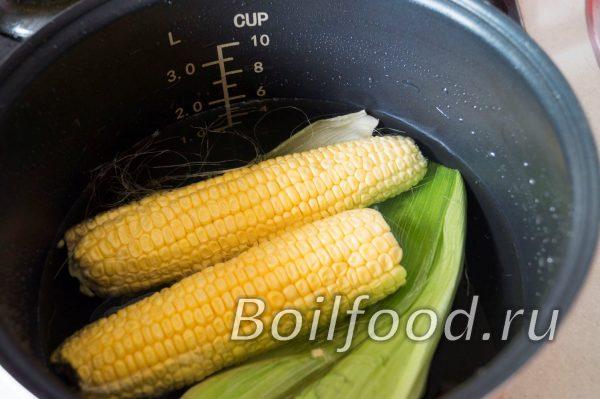 залить кукурузу водой