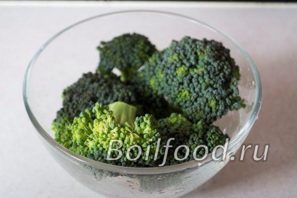 брокколи в миске