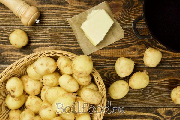 как варить молодой картофель в кастрюле