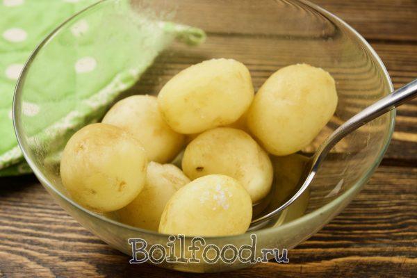 варим молодую картошку в микроволновке