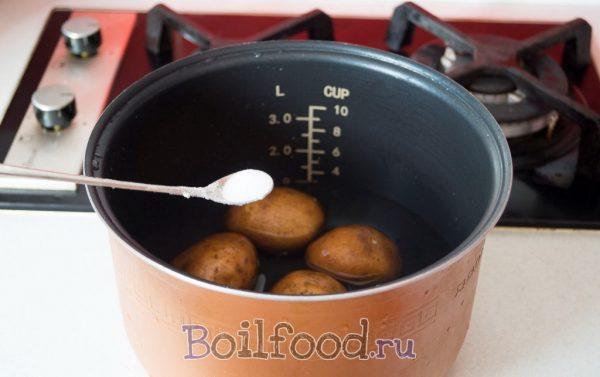 отправляем картошку в мультиварку