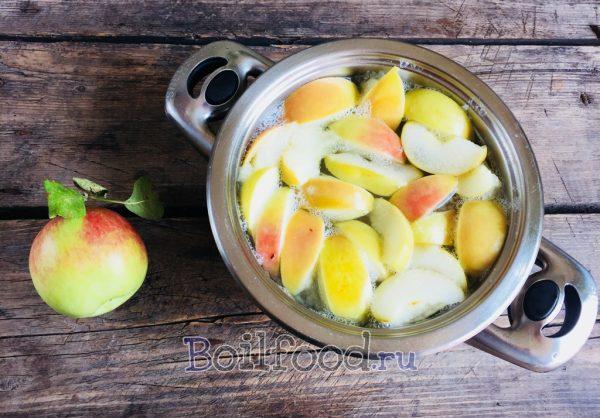 как сварить яблочный компот в кастрюле
